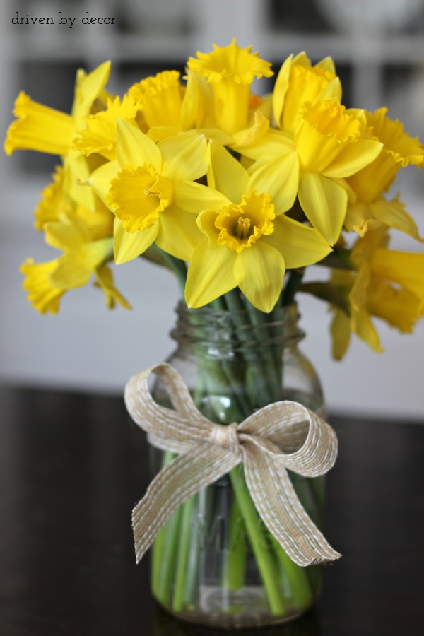 Simple Spring amp Easter Table Decorations Driven by Decor : Cut daffodils in mason jar for a simple spring centerpiece from drivenbydecor.com size 600 x 900 jpeg 98kB